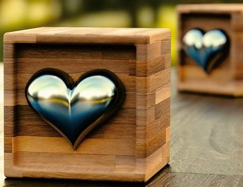 Wooden & Chrome Heart Boxes