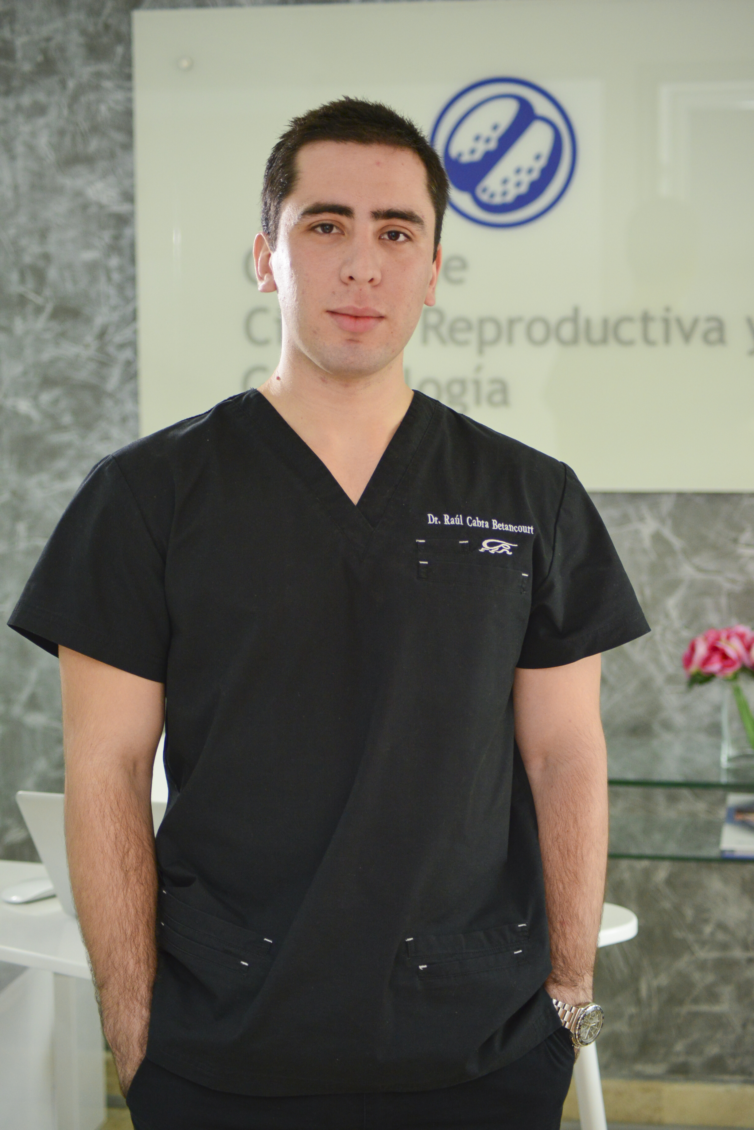 Dr. José Raúl Cabra Betancourt