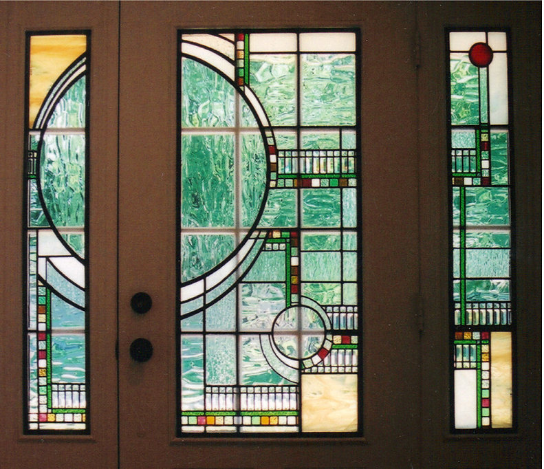 Geometric with Circle Door and Sidelight