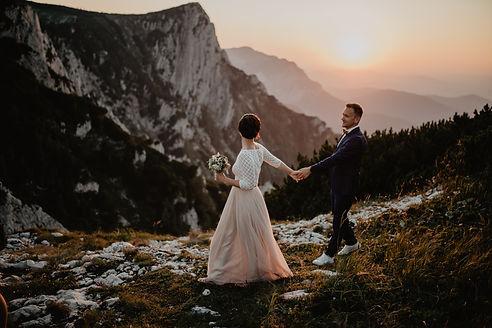 Hochzeitsshooting am Feuerkogel bei Sonnenuntergang