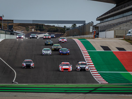 SuperCars: Gustavo Moura and Luís Cidade start with the right foot in Portimão