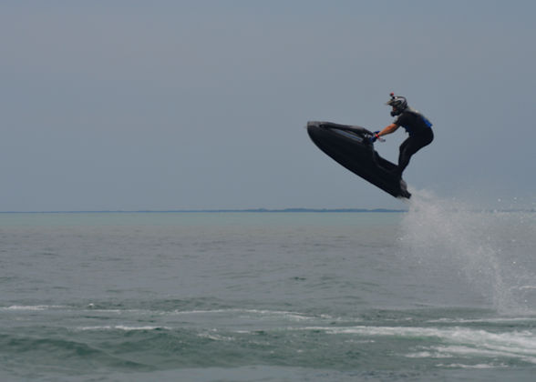 Flat water freestyle on a carbon and fiberglass BAM Hull
