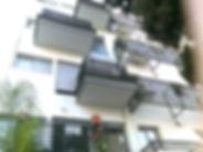 מרפסות פלדה מוצמדות לבניין