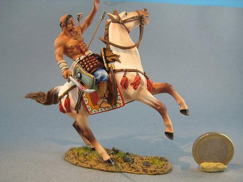 TEAM MINIATURES -REF MGL6012- MONGOL CHARGEANT BLESSE PAR FLECHES