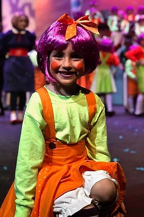 Oompa Loompa in Willy Wonka Jr costume set rental