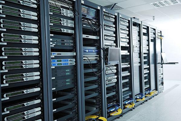 server-rack-vs-network-rack.jpg