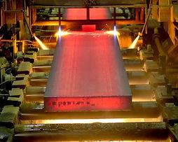 tablestaca metálica, vigas de acero, placas de acero