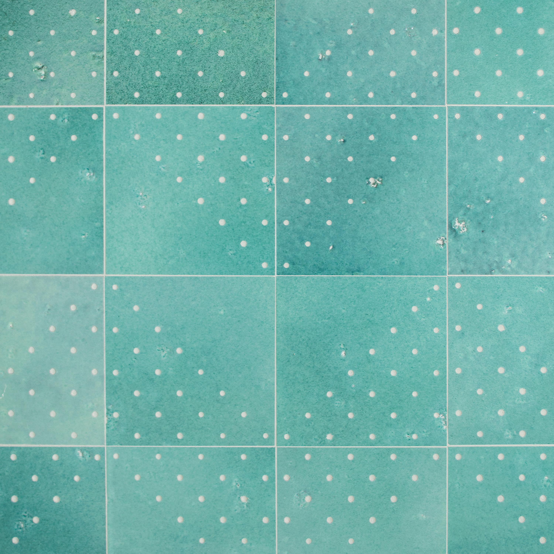 NewRavenna_Yorke 19x19 Lotus no dots