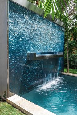 Deeper in Blue fountain