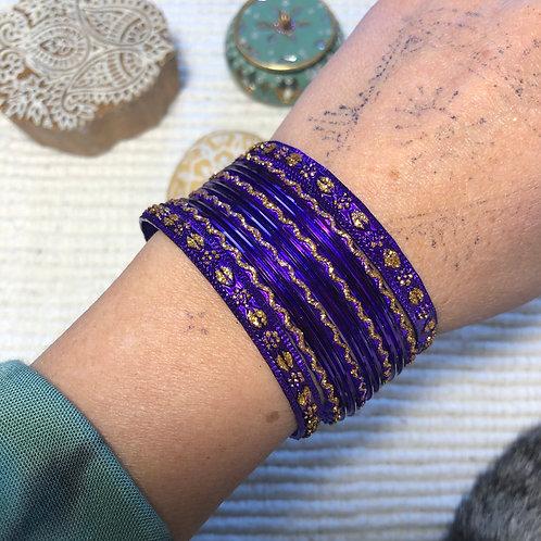 Bangles violets foncés