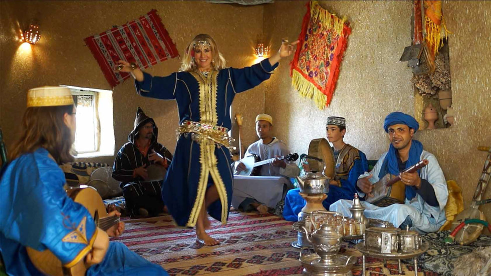 Jensuya and TarabRaqs live music and belly dance in Tafraoute, Morocco.