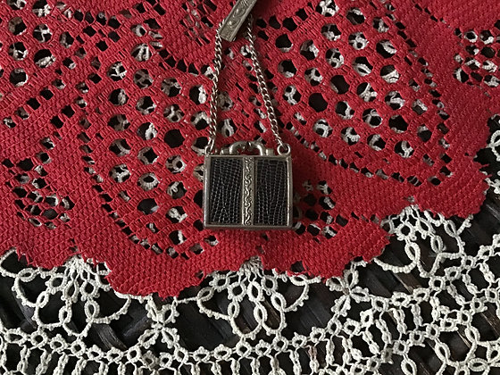 Small Purse to hang from waist or pocket