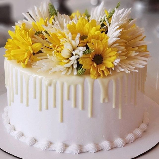 Simple and elegant custom floral cake! S