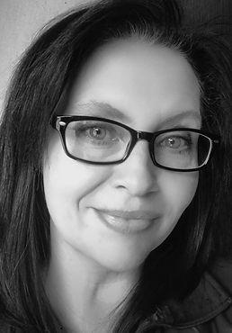 Author Mina Beckett.jpg