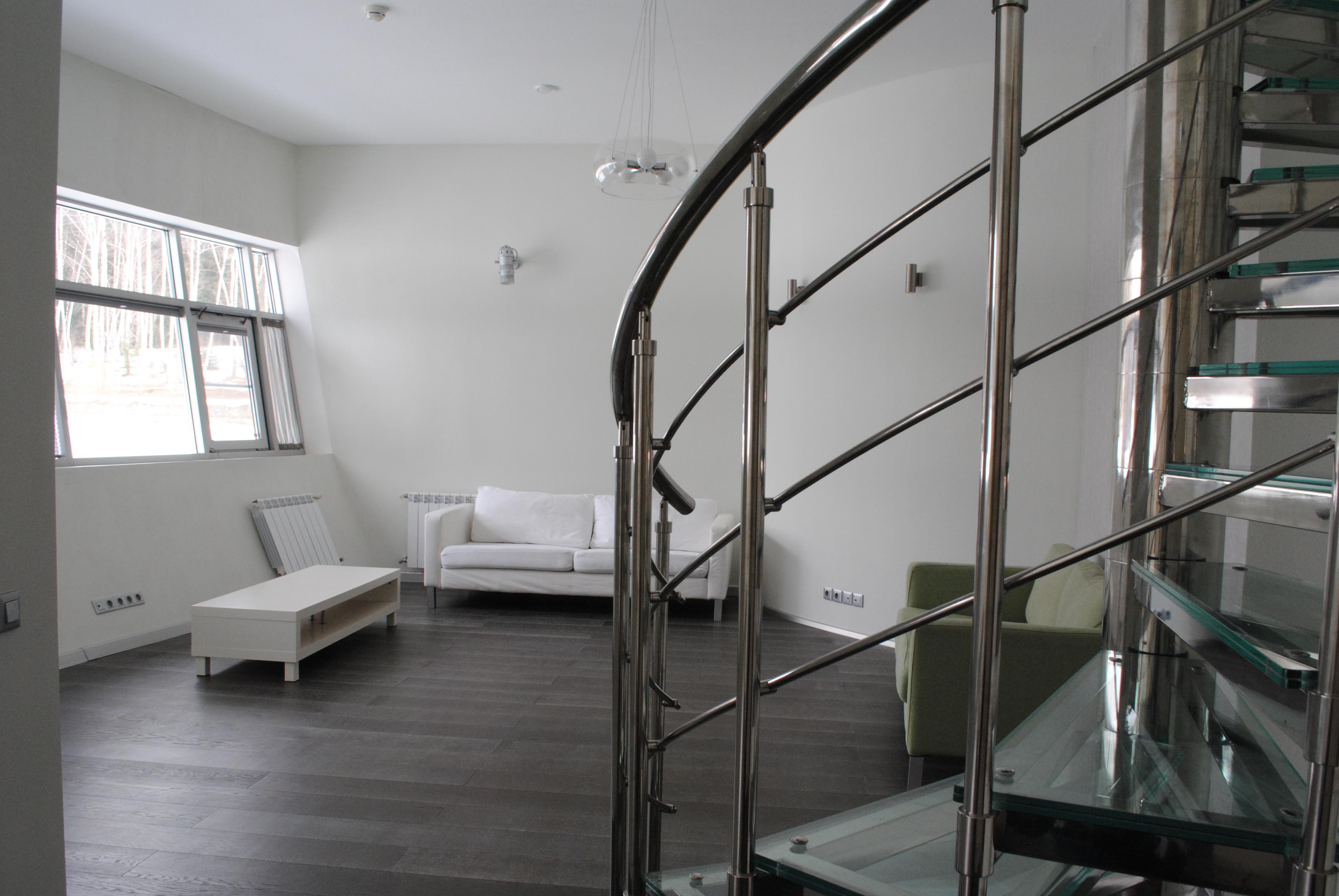 Апартамент №1 (1эт.) лестница