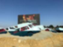 Artiste zoer zoerism installation artistique de voitures noyées pour le voyage à nantes france