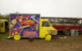 artiste zoer zoerism peinture acrylique sur camion de jouets titre django casse automobile France 2017