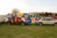 artiste zoer zoerism peinture acrylique sur camion mercedes peugeot de jouets casse automobile France 2017