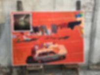 Artiste zoer zoerism peinture acrylique sur toile d'une voiture incarnant la liberté barcelone espagne