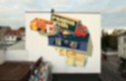 artiste zoer zoerism peinture a acrylique mural rooms de catastrophe avec empilement de caravane mercedes a cologne 2019