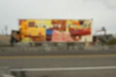 artiste zoer zoerism peinture acrylique figurative sur mural de voiture et camping car  seattle aux etats-unis par sodo track
