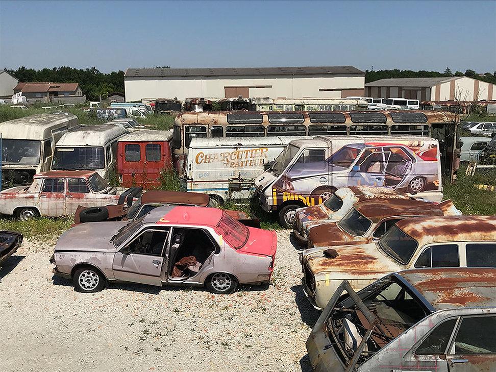 Artiste zoer zoerism acrylique figurative sur renault master truck figurative de R18 dans casse automobiles France 2018