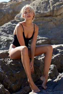 Stefanie_Parkinson_2018_11_02_Beach_Shoo