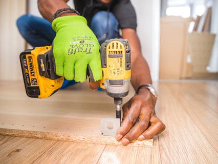 carpenter-carpentry-close-up-1249611.jpg