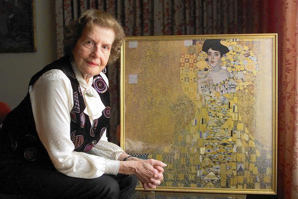 Maria Altmann reunited with Portrait of Adele Bloch-Bauer I in 2006