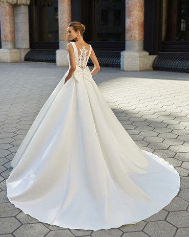 Robe de mariée Luna Novias Fresno