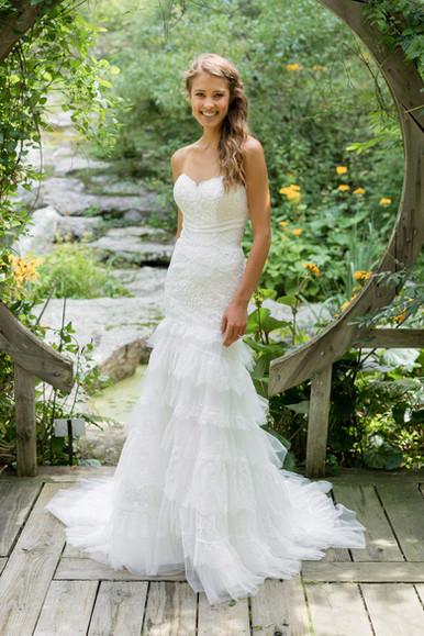 Robe de mariée Lillian West 66003
