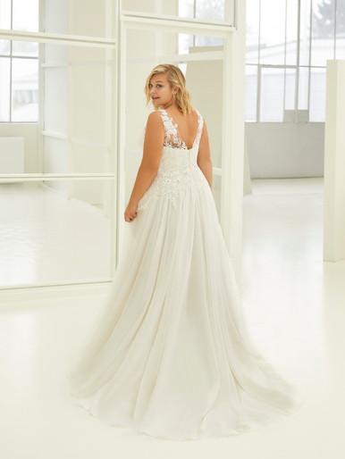 Robe de mariée Curves by Modeca Monica