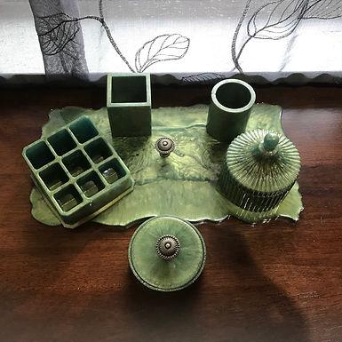 Moonflower Cottage Resin Vanity Set