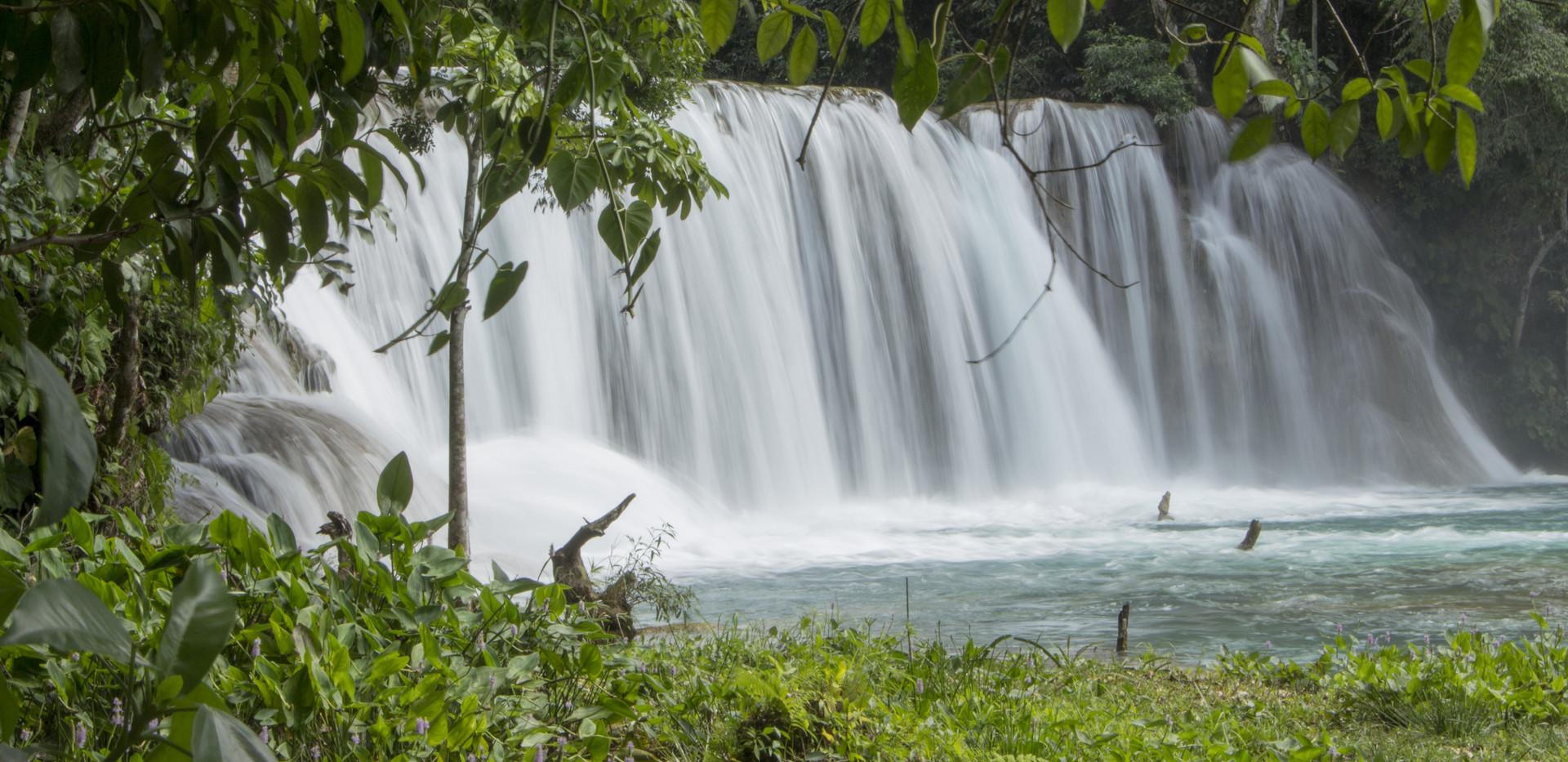 waterfalls-2821390.jpg