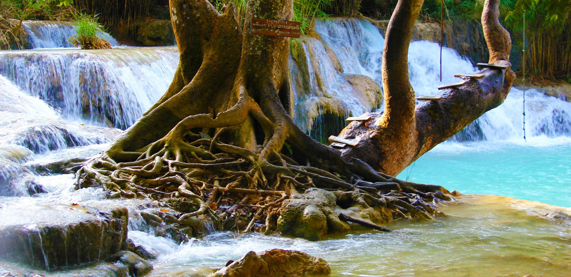 waterfall-981822.jpg
