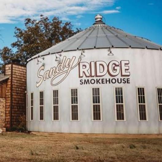 Sam + Jess at Sandy Ridge Smokehouse