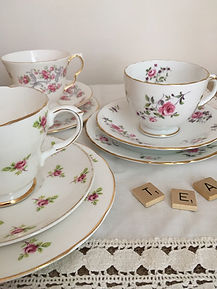 hire your vintage matching china and china cake stands
