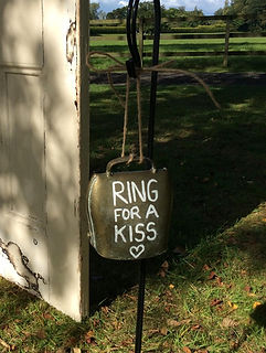 vintage wedding hire ring for a kiss