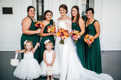 Leesa with her bridal party