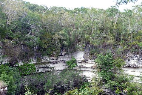 Cenote, sacrificial, Chichen Itza-8 SMAL
