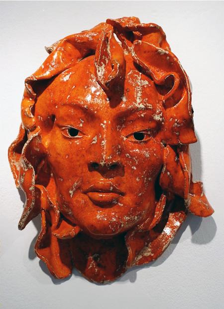 Rote_Maske_Keramik_glasiert_Höhe_40cm