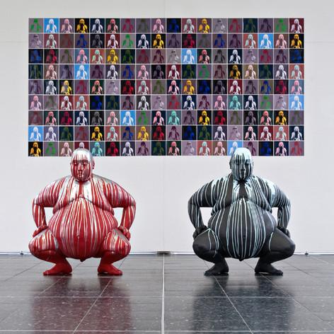 Sumos vor Pop Sumo Wandinstallation Kunstverein Pforzheim.jpg