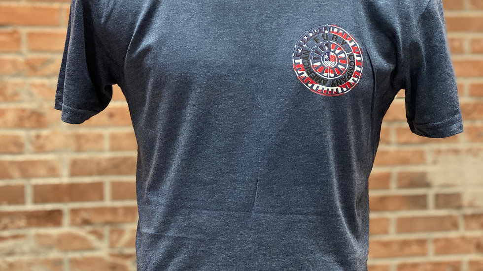 T-shirt small round