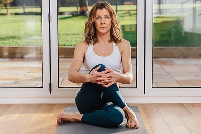 LDV Yoga Crossover Leg