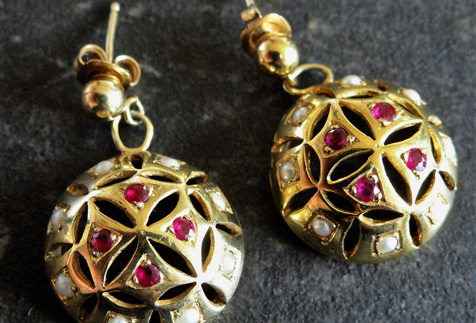 Elizabeth I earrings