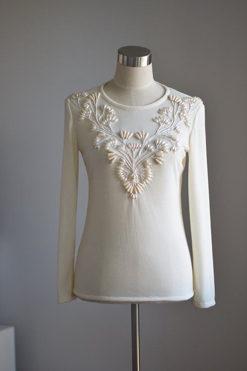 IVORY FLORAL SWEATER