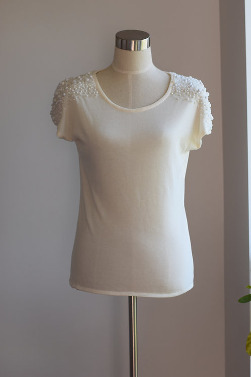 IVORY GRAPHICAL TOP