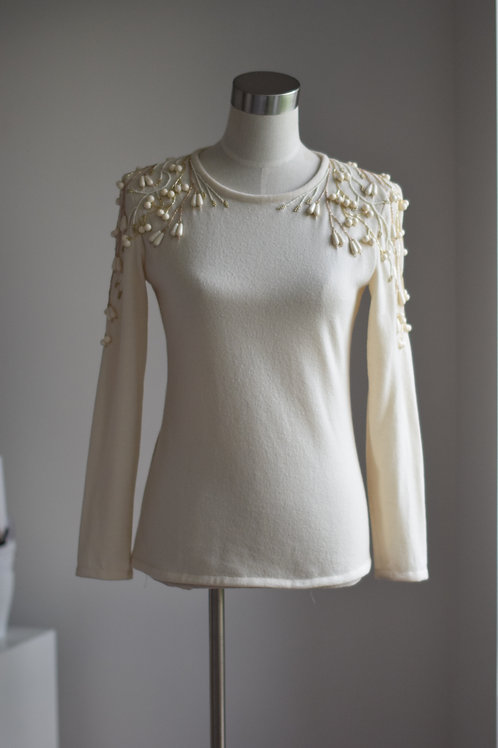 IVORY FRORAL SWEATER