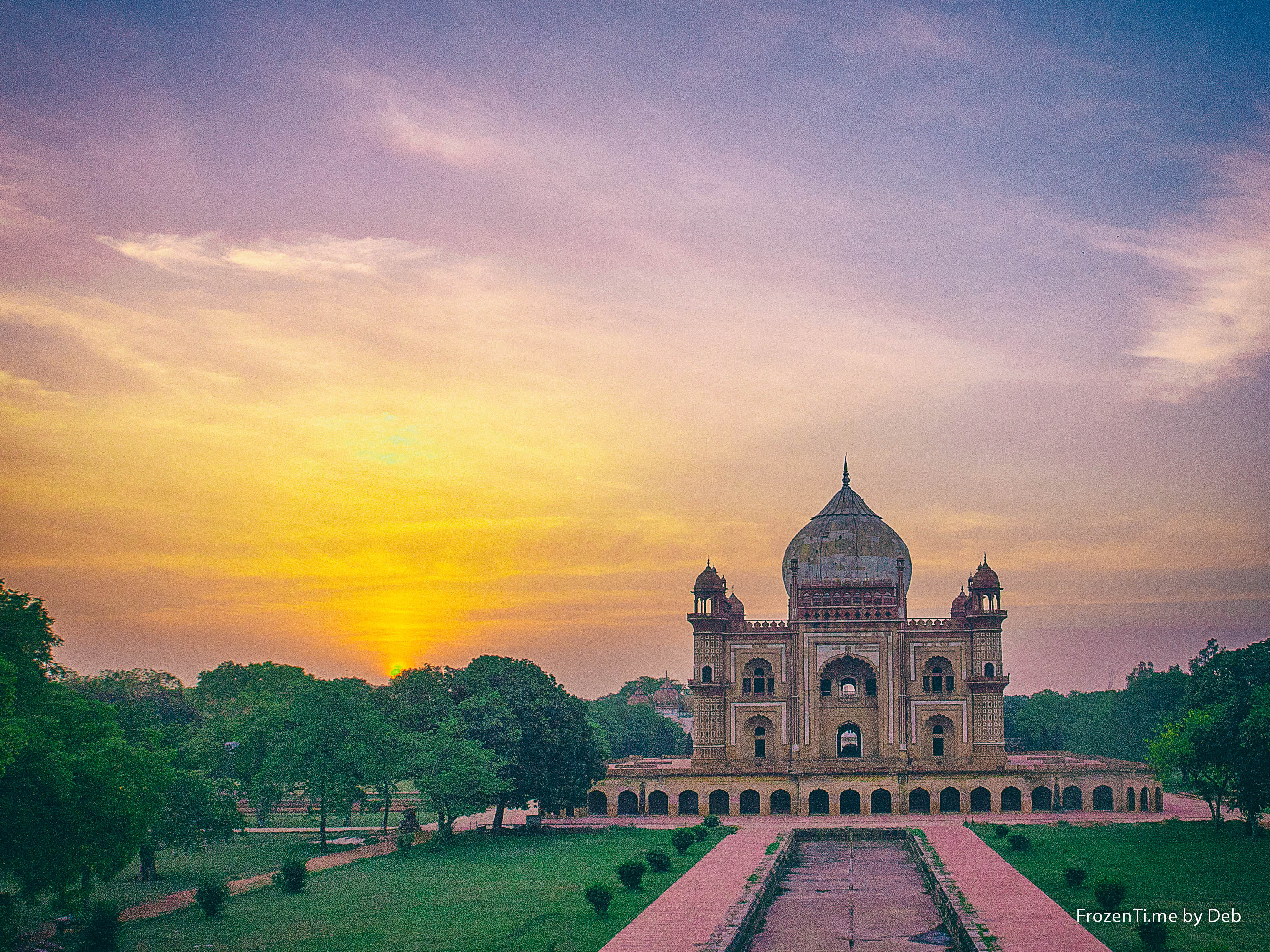 stock-photo-daybreak-at-safdarjung-s-tom