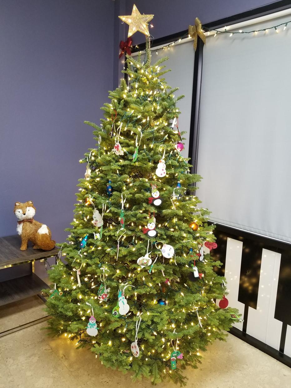 Christmas Tree Cheer!